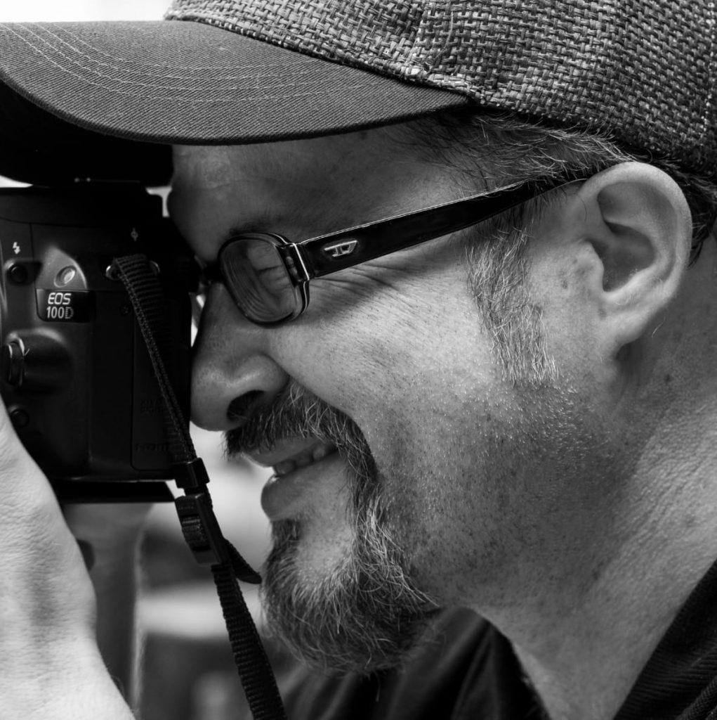 Benjamin Krauss aus Ulm ist OnlineMarketing Dienstleister sowie Fotograf für Portraits, Konzerte und Hochzeiten.
